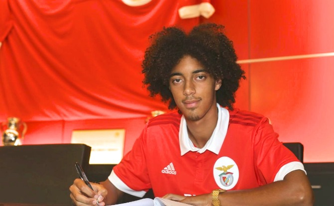 This image has an empty alt attribute; its file name is f811d-blog-benfica-tomas-tavares-2.jpg